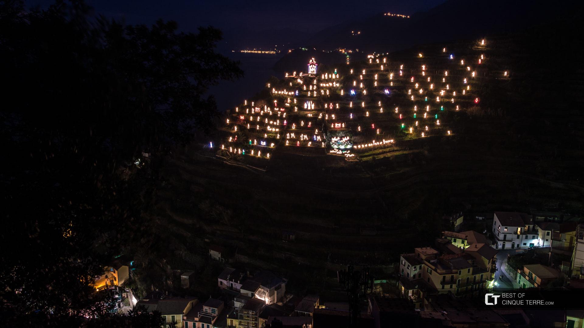 cinque-terre-manarola-christmas-nativity-scene-presepe-3_bg