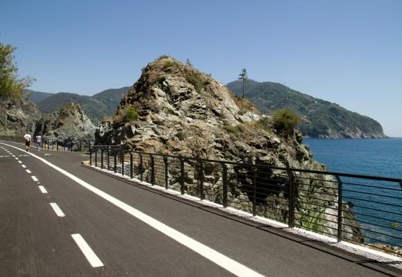 Il fascino della pista ciclopedonale del Levante Ligure