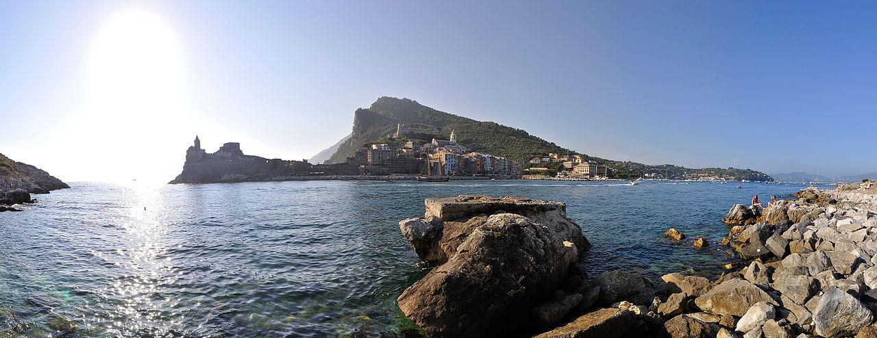 Portovenere_-_Isola_Palmaria,_Portovenere_(SP)_Italia_-_29_Luglio_2012_-_panoramio