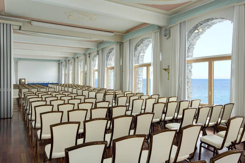 Meeting e congressi: perché scegliere un hotel