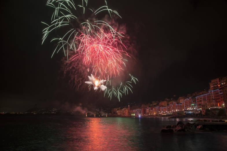 Fuochi d'artificio sopra Camogli