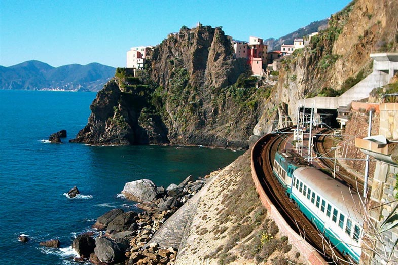 Train in Cinque Terre, Liguria