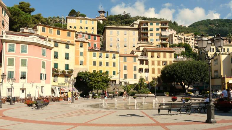 Zoagli, la piazza del borgo