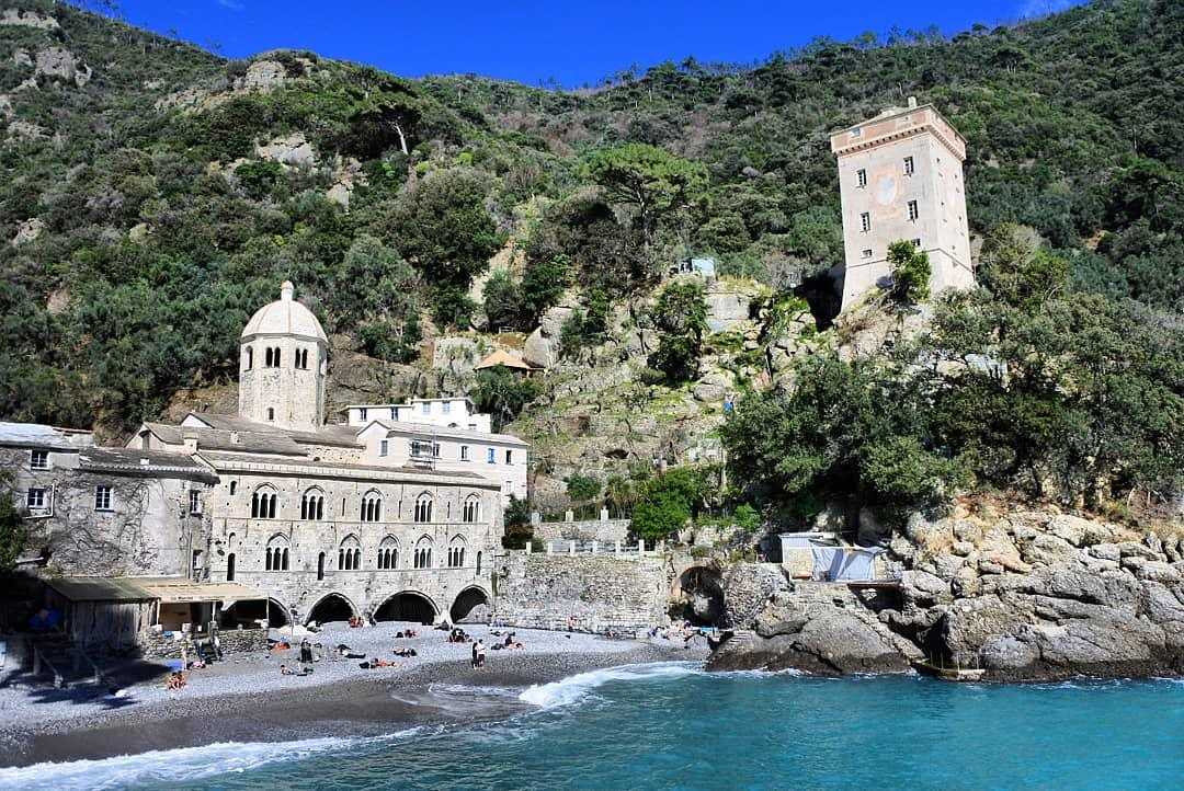 ONE DAY TREKKING FROM THE HOTEL TO SAN FRUTTUOSO